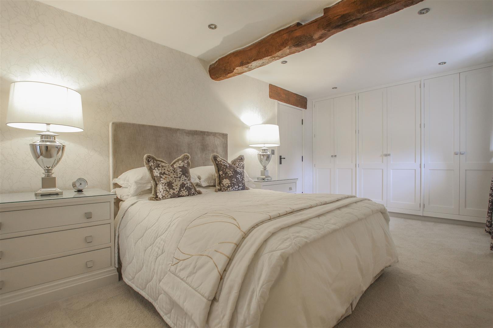 5 Bedroom Semi-detached House For Sale - 21.JPG